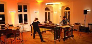 Percussion-Künstler begeistern Publikum im Schloss Hohendorf