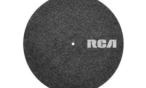 Vinyl all-inclusive: Hochwertiges Zubehör für Schallplatten(spieler) von RCA