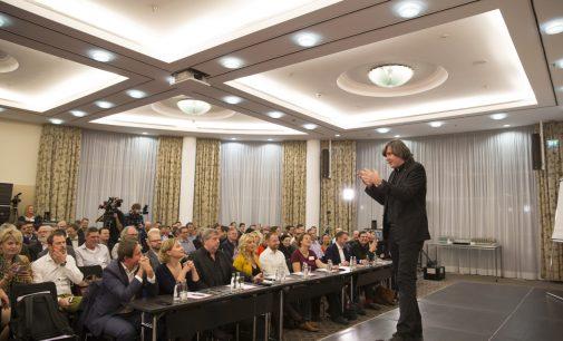 Internationaler Speaker Slam: Hermann Scherer will eigenen Weltrekord gleich zweimal brechen