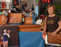 Soulgoods Düsseldorf mit Taschen und T-Shirts: Gut für die Seele und top für die Umwelt