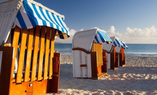 Ferienhaus Insel Rügen Reethaus am Meer mit Sauna Kamin Waschmaschine wenige Schritte zum Ostseestrand oder Ferienwohnungen herrl Meeresblick Sauna wl