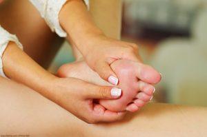 Unsere Füße haben mehr Einfluss auf unseren Körper, bzw. unser Wohlbefinden, als wir glauben.