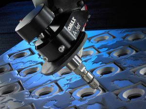 Software von Lantek steigert künftig die Leistungsfähigkeit von Omax-Wasserstrahlschneidmaschinen.