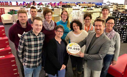 """Kundenbewertungen: 20.000 Mal """"SEHR GUT"""" für schuhplus – Schuhe in Übergrößen"""