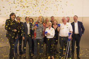 Hermann Scherer, die Jury & die glücklichen Gewinner des 1. Internationalen Speaker Slams in München