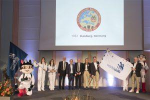 Wir hießen die WorldSkills-Flagge feierlich in Duisburg willkommen.