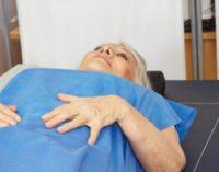 Endokrinologe für Frankfurt / Main: Trotz Osteoporose aktiv leben