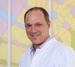 """Gibt Gesundheitstipps anlässlich des offiziellen """"Tags der Rückengesundheit"""": PD Dr. Uwe Vieweg."""