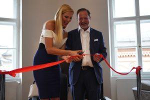 Sonya Kraus eröffnete gemeinsam mit Ronald Christen die erste Münchner VIP-Lounge von Global Blue.