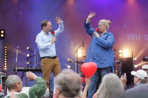 Christian Buhk und Anke Harnack moderieren die Sommertour 2018 _ Foto: Axel Herzig