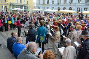Rekordverdächtig: 42 Chöre, 1300 Sängerinnen und Sänger bei der 11. Trierer Chormeile 2018