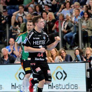(© Foto: HJKrieg, Erlangen) - HC Erlangen-Christoph Steinert mit sieben Treffern wieder sehr stark