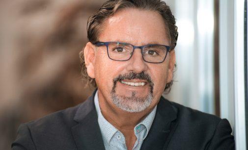 Bank- und Versicherungsexperte Dirk Schallhorn startet als neuer Geschäftsführer bei .dotkomm