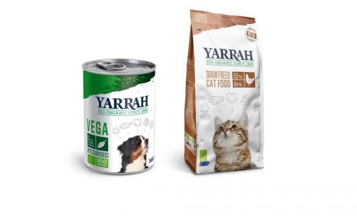 Yarrah bietet biologisches Futter für Hunde und Katzen