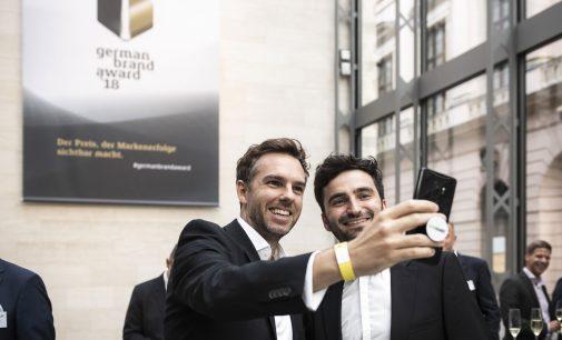 DEINHANDY erhält doppelte Auszeichnung für erfolgreiche Markenführung