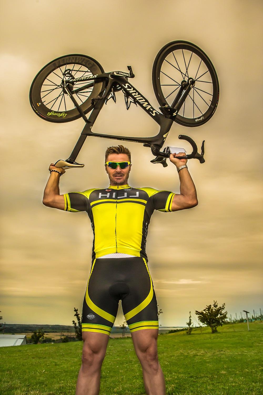 Der prämierte Winzer und passionierte Biker Leo Hillinger ist zu Gast im Hotel Sepp Maria Alm