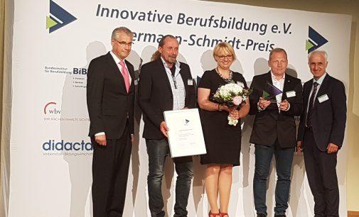 Hermann-Schmidt-Preis für innovative Berufsbildung 2018 an ASSMANN Büromöbel verliehen