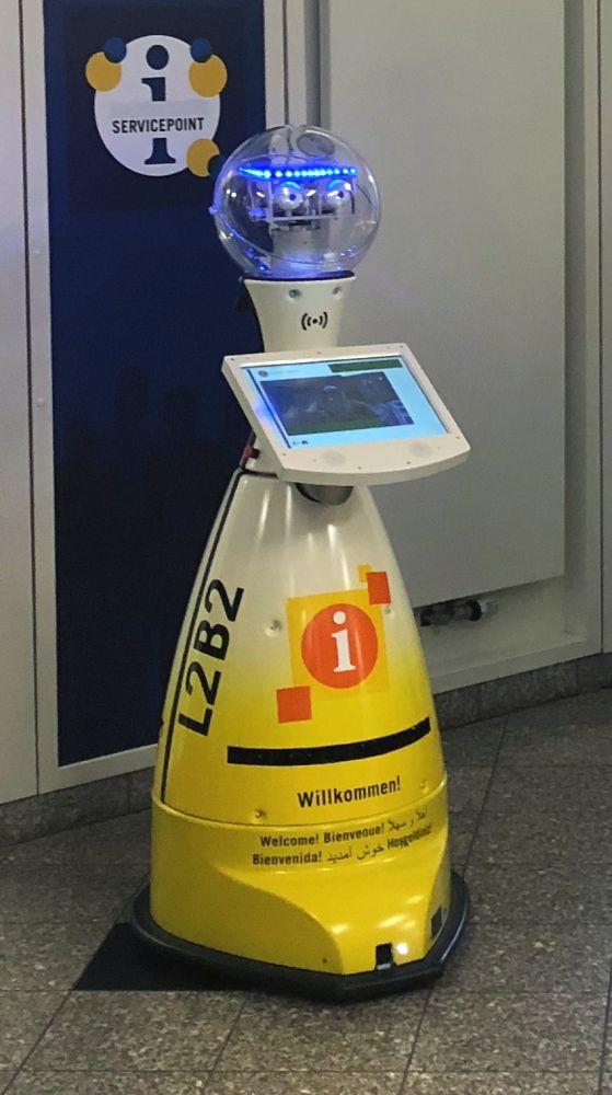 L2B2 ist Deutschlands erster kommunaler Serviceroboter