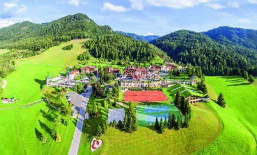 Sommerlicher Familienurlaub im 5-Sterne-Hotel Der Lärchenhof