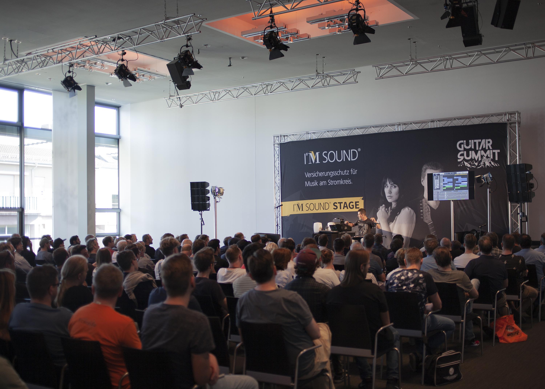 ´PINK Event Service realisierte Bühnen-, Veranstaltungs- und Messetechnik für den ersten GUITAR SUMMIT im Rosengarten Mannheim.