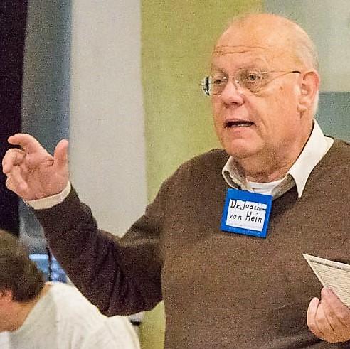 Dr. von Hein bei einem Vortrag