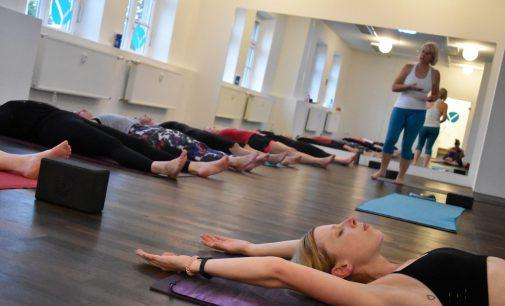 Hot Yoga jetzt neu in Essen: Opening des Studios elementry am Samstag, den 6. Oktober