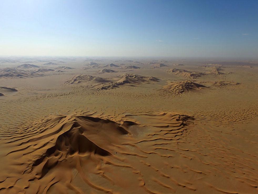 Oman, Rub al-Khali: Im Dünenmeer verliert sich unsere Kamelkarawane
