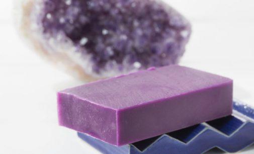 Seifenmanufaktur Soapositive setzt auf die magische Kraft der Edelsteine