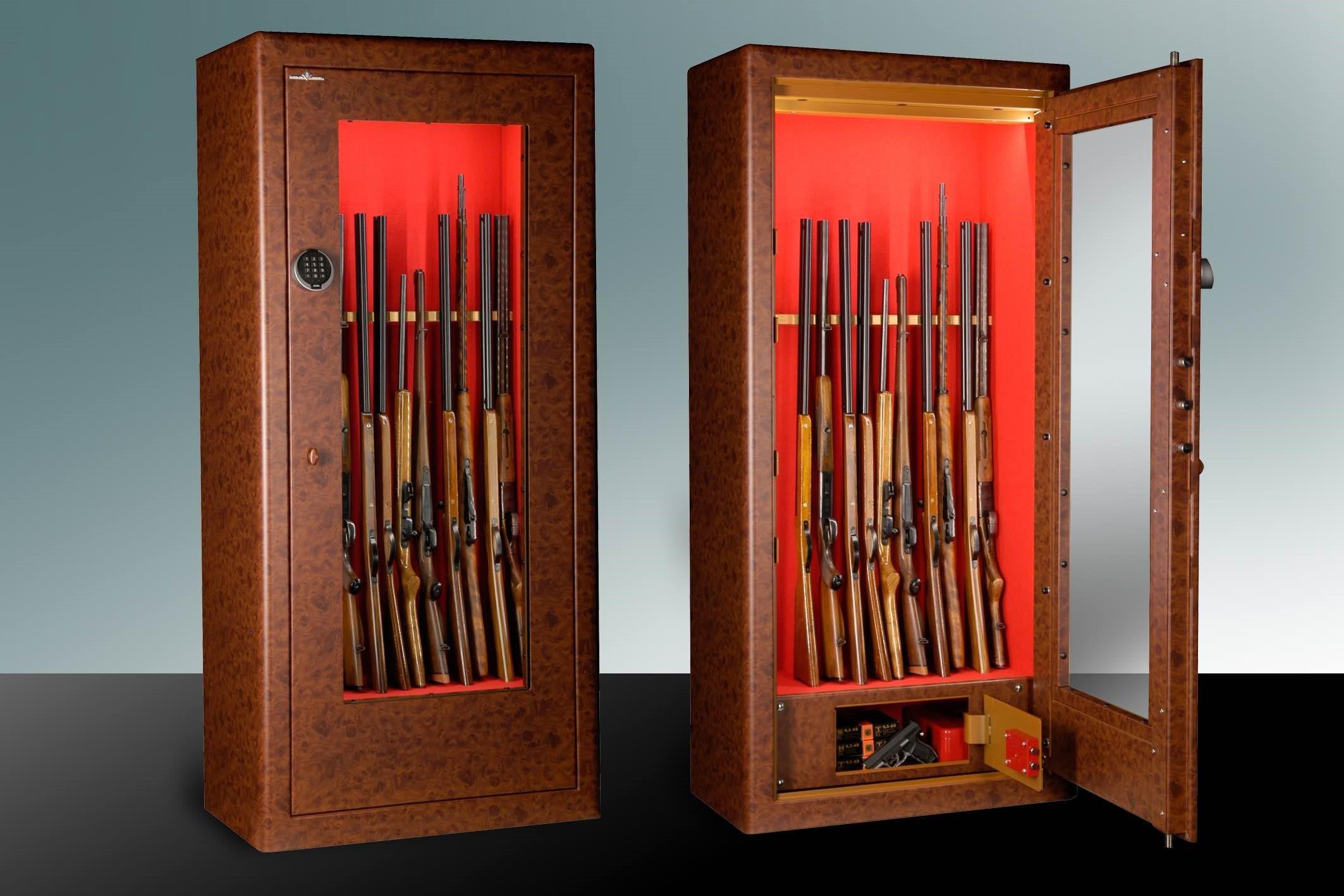 Gute aufbewahrt im gläsernen Tresor: Ob aufwendig gefertigte Waffe oder antikes Sammlerstück.