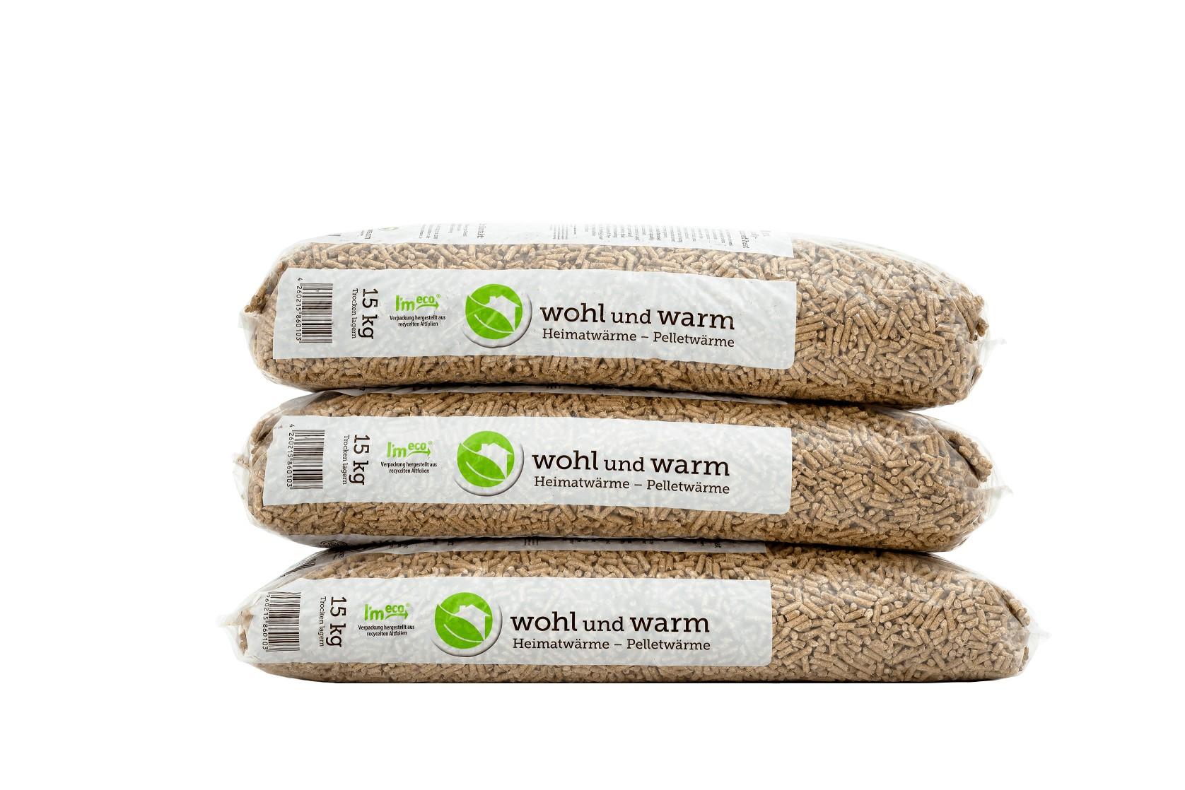 wohl und warm-Holzpellets Sackware nun auch im Lagerverkauf der Karl Hemer GmbH erhältlich