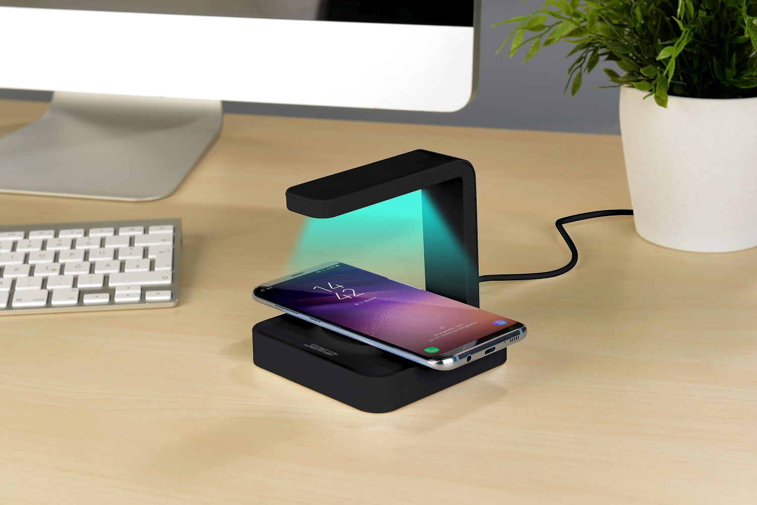 Somikon 2in1-Smartphone-Ladestation mit UV-Desinfektions-Lampe, Qi-kompatibel, www.pearl.de