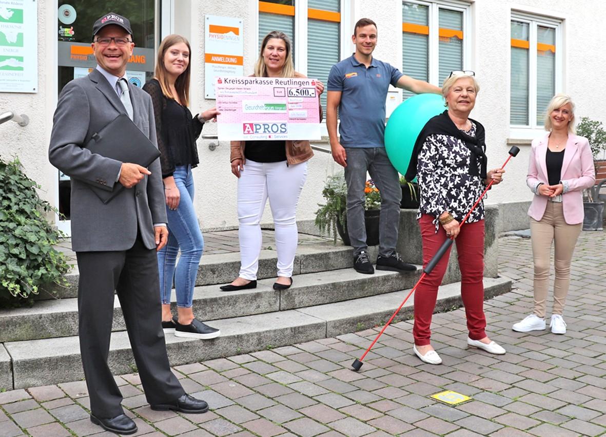 APROS überreicht 6500 Euro Spende als Überraschung bei der Vereinsssitzung in der PHYSIOEningen