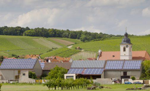 Zum Jahreswechsel endet die Förderung für zahlreiche bayerische EEG-Anlagen – Bayernwerk und LEW Verteilnetz fordern Perspektiven für Weiterbetrieb