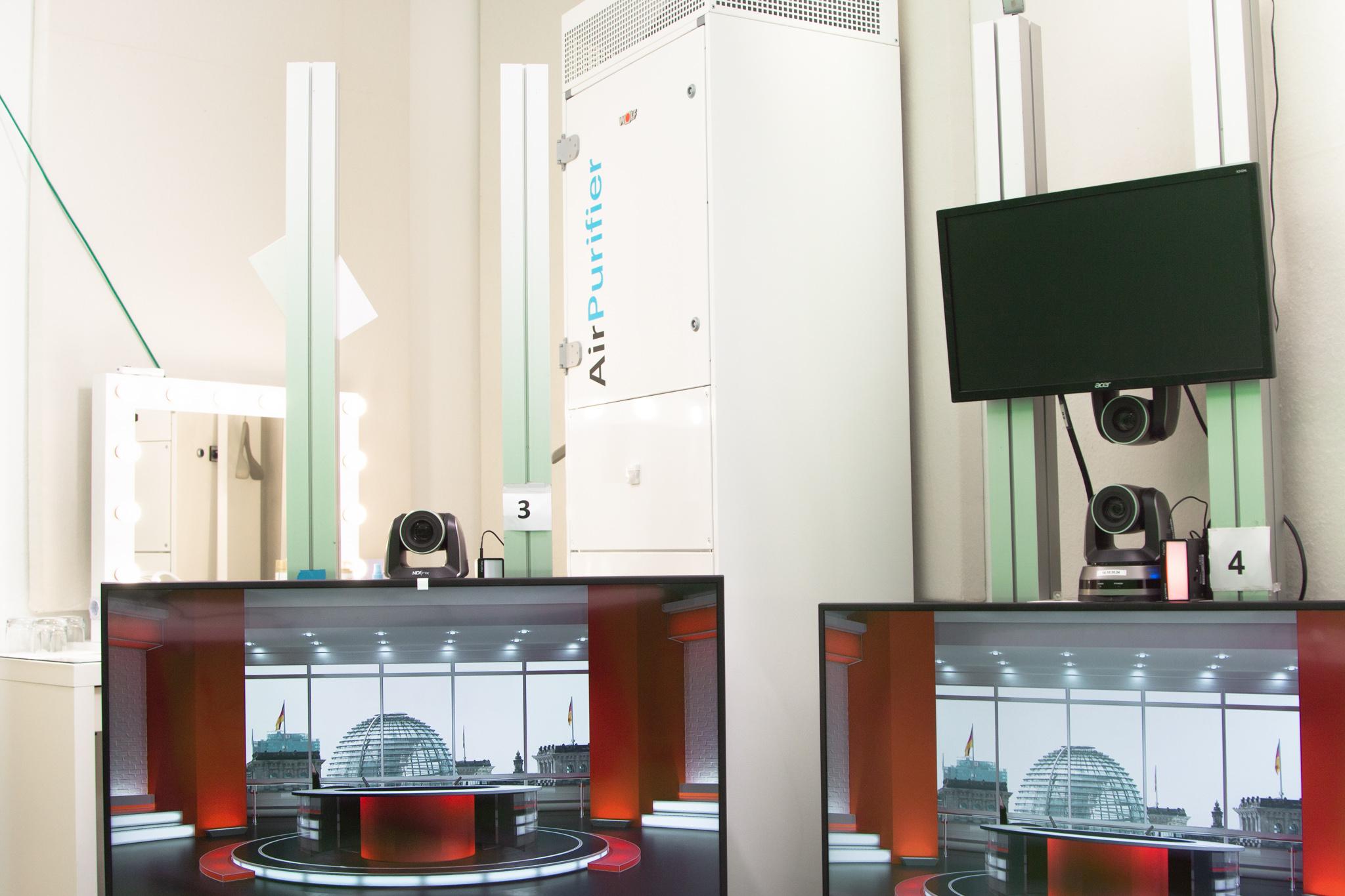 Die Ausstattung im Digitalen Hauptstadtstudio wurde um einen Raumluftreiniger von WOLF erweitert.