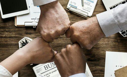 4cost und StraCoTec schließen strategische Partnerschaft