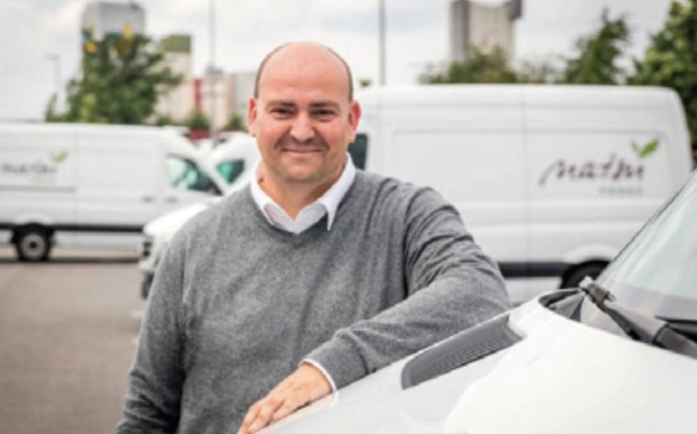 """Lars Gormanns von der Natsu Foods GmbH & Co. KG ist der erste zertifizierte """"E-Fleet-Manager (BVF)""""."""