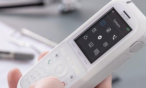 Für Klinik und Pflege: DECT-Handset M90 von Snom mit antimikrobieller Oberfläche