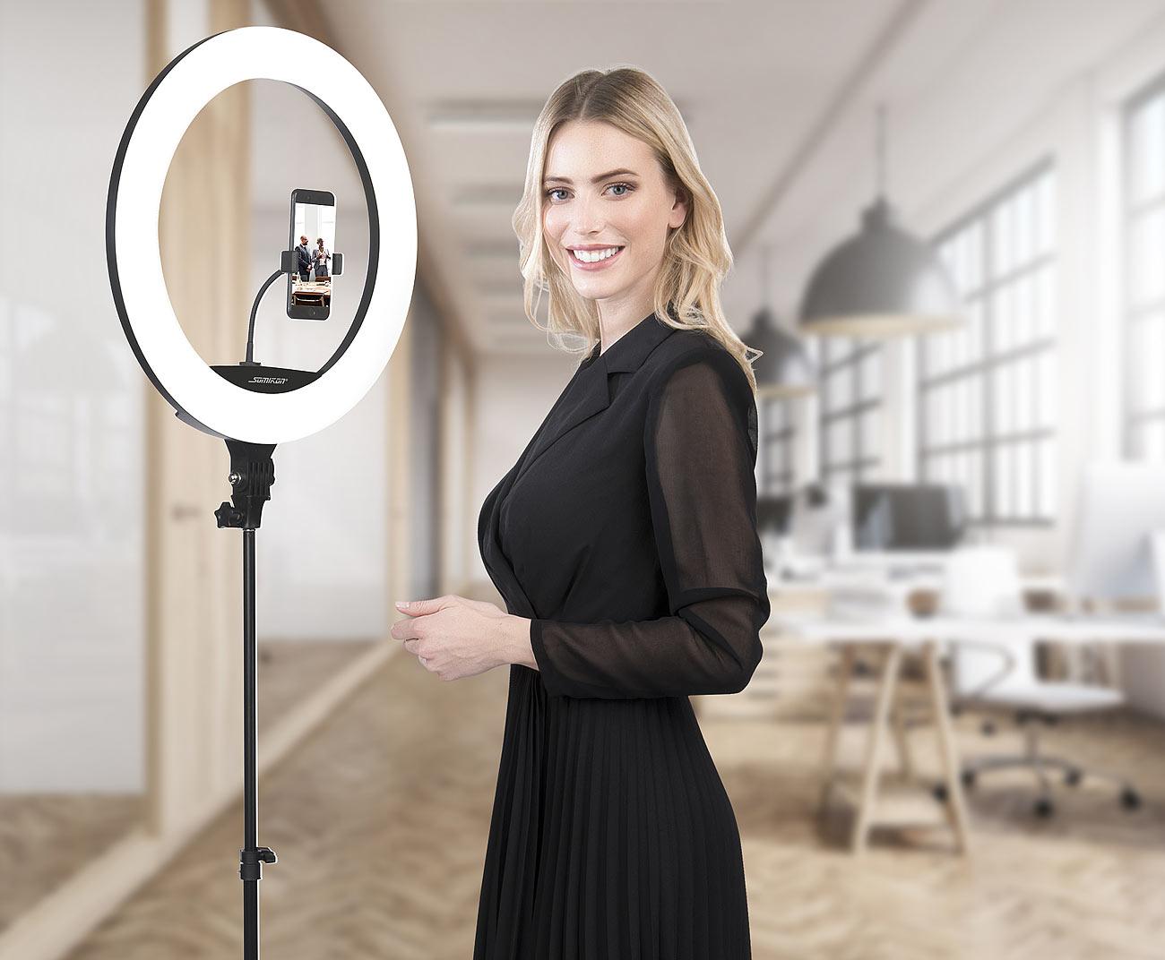 Somikon XL-LED-Ringlicht mit Smartphone-Halter, Ø 46 cm, USB-Port, dimmbar, www.pearl.de