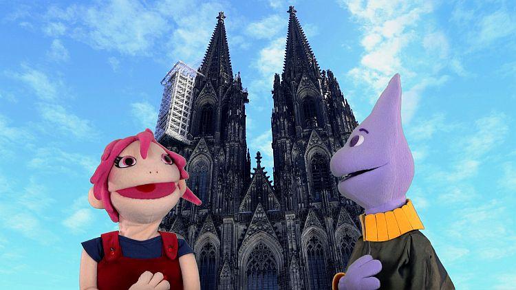 Anni und Ara vor dem Kölner Dom