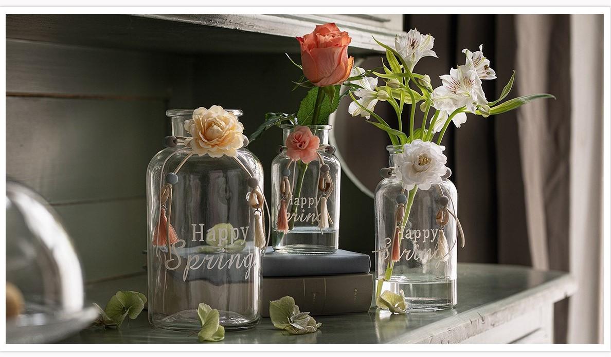 """Vasenset """"Happy Spring"""" holt den Frühling auf den Tisch."""