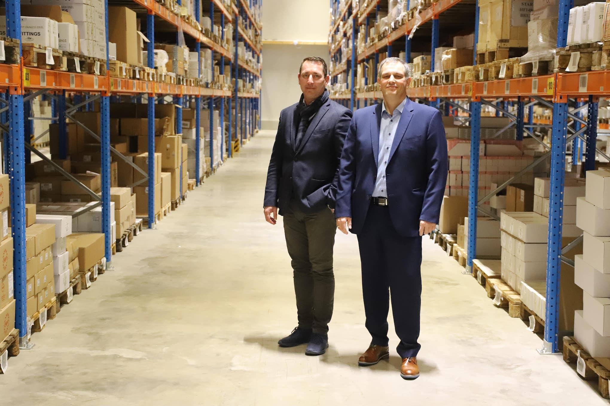 Freuen sich schon auf die neuen Roboter: Raimund Bergler (r.) und Mike Schubert