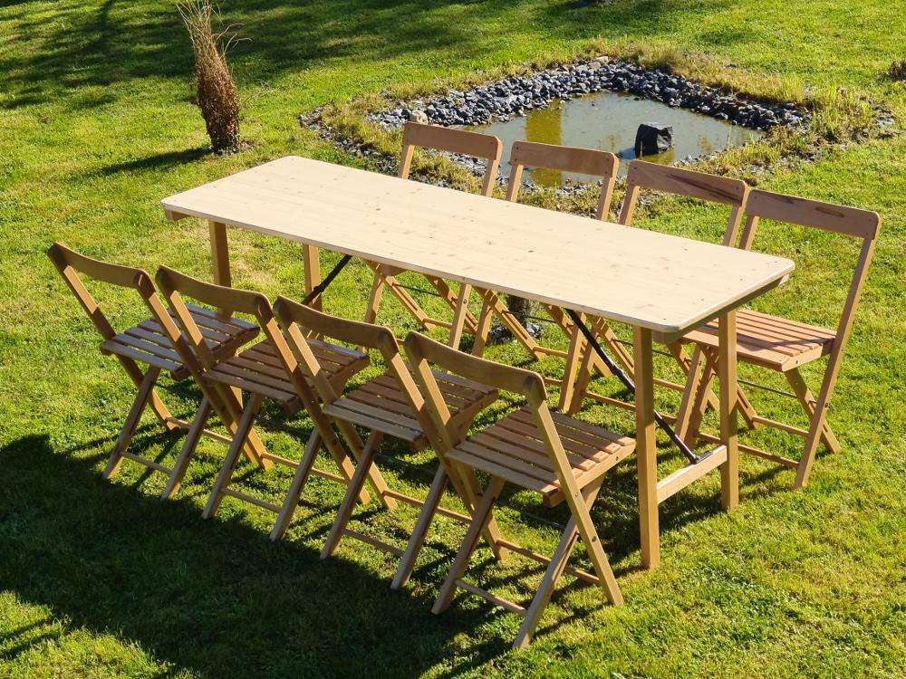 Holzklappstühle mit Holzklapptisch