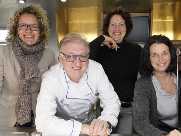 Frank Schwarz mit Silke Melles, Nicole Stein und Anja Rohdenburg (v.l.).