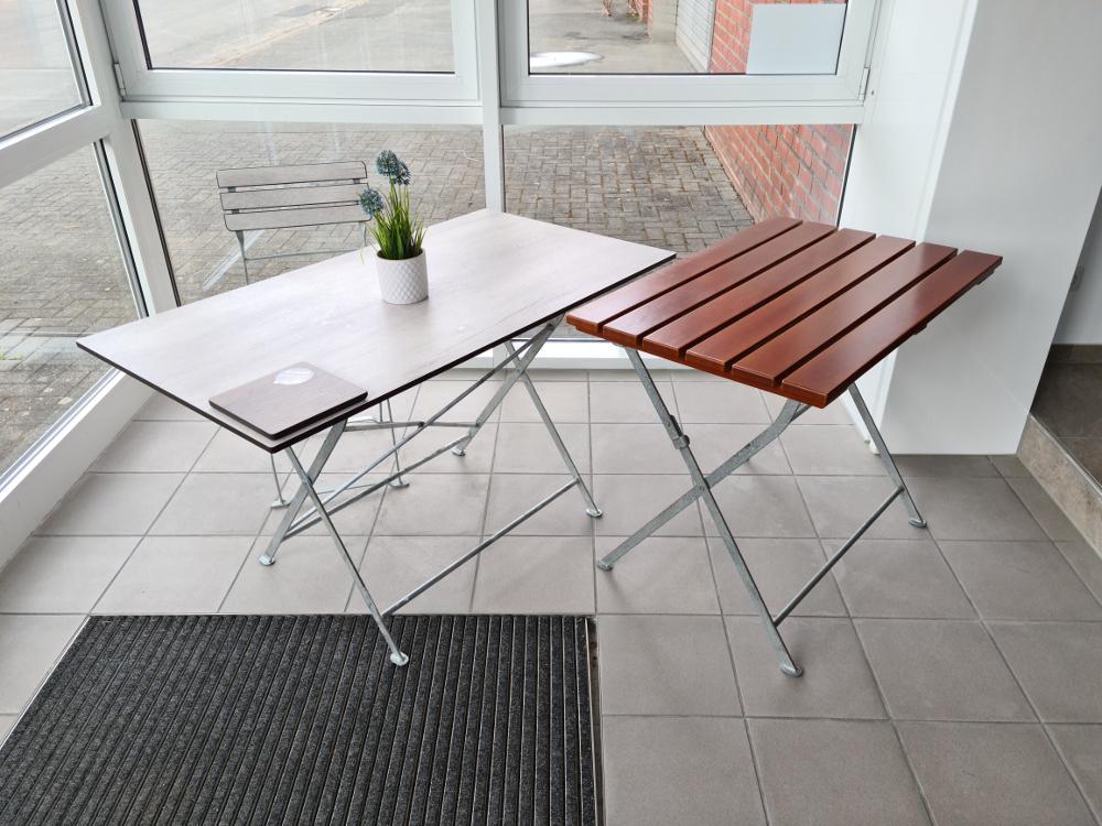 Biergartenmöbel- Tisch mit Stuhl