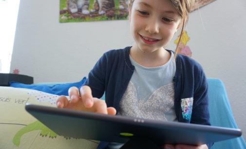 Der MENTOR – Die Leselernhelfer Bundesverband warnt: Die Abwärtsspirale in der Lesekompetenz bei Kindern ist dramatisch