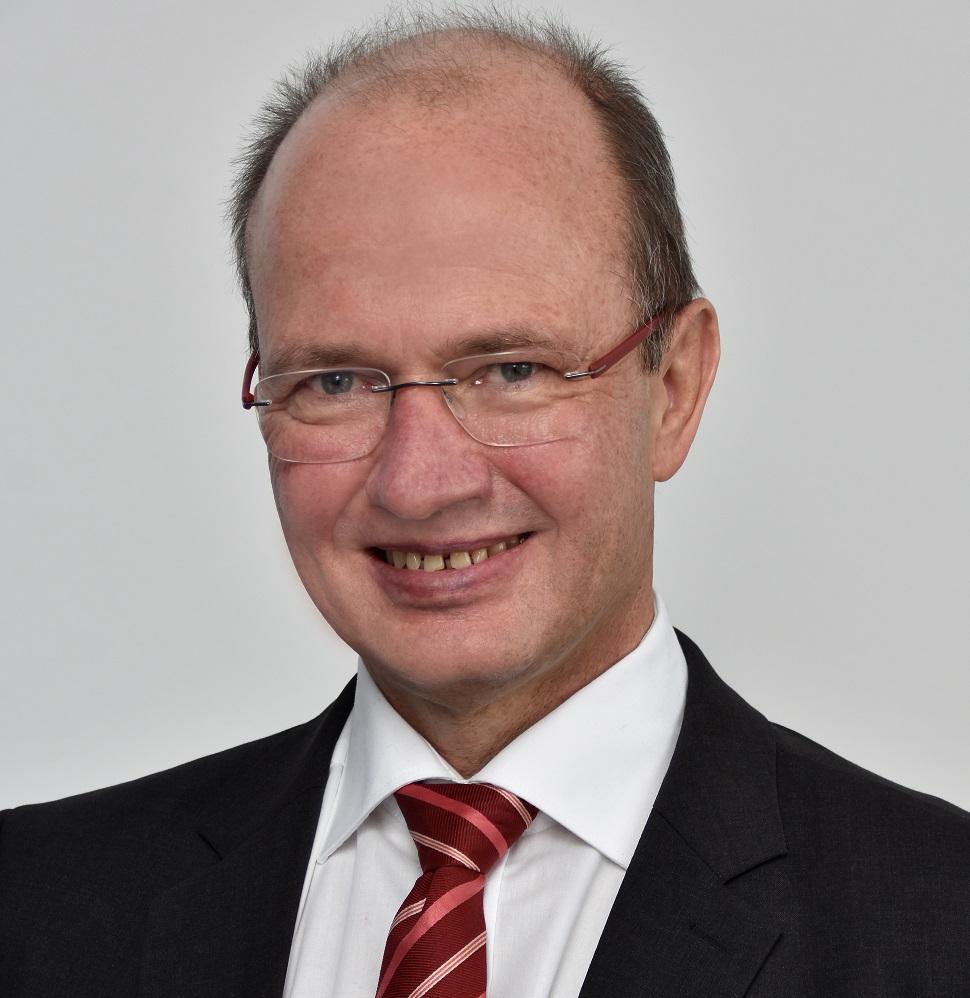 """Stiftungsvorstand Jürgen Biffar: """"BRAINIX ist bestens geeignet für Mittelschulen"""""""