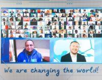 Fußballlegende Roberto Carlos wird globaler Botschafter von Football for Friendship 2021