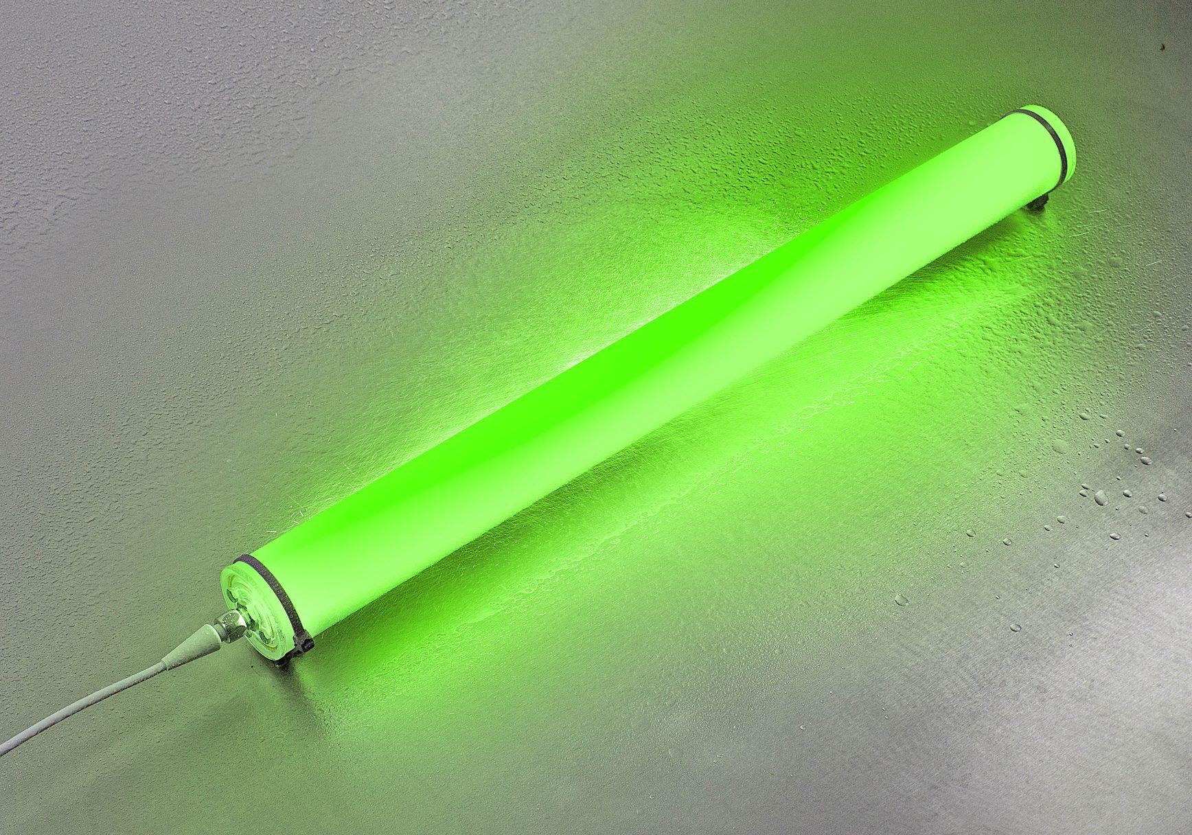 Die INROLED_50 Ecolab RGB-W ist eine LED-Leuchte mit der hohen Schutzart IP67/IP69K.