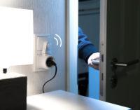 revolt Steckdose mit PIR-Bewegungs- und Licht-Sensor