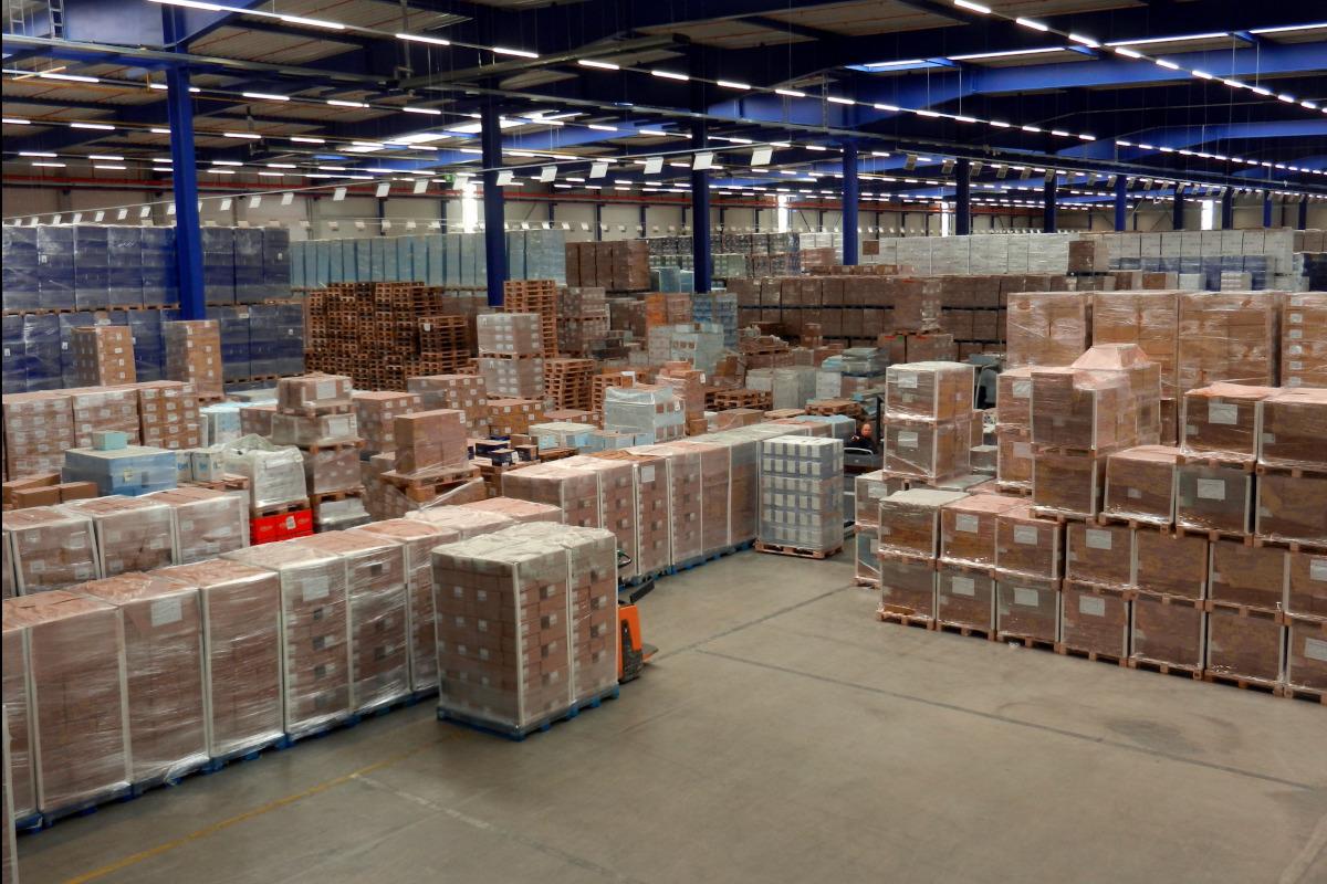 Etwa 700 verschiedene Artikel lagern im Distributionszentrum.